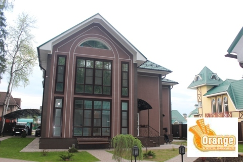 Продается 3-х этажный коттедж в кп Изумрудный город Ногинского района