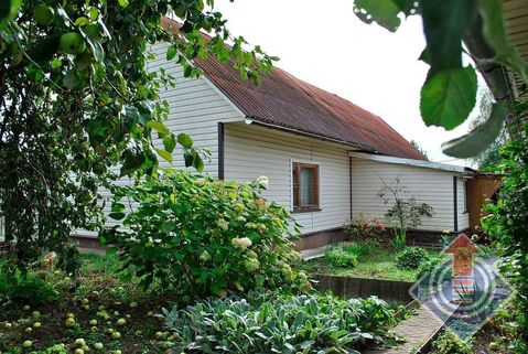 Жилой дом и баня на участке 13,78 соток в д. Акишево