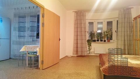 Просторная квартира с мебелью и техникой у метро в Москве