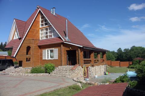 Готовый дом из бревна под ключ с бассейном в деревне Былово.