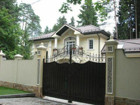 Коттедж 384 кв.м.на уч. 15 с. с лесными деревьями. ж\д ст Челюскинская, 47000000 руб.