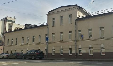 Продажа 3-х этажного осз в центре Москвы на 1-й линии домов