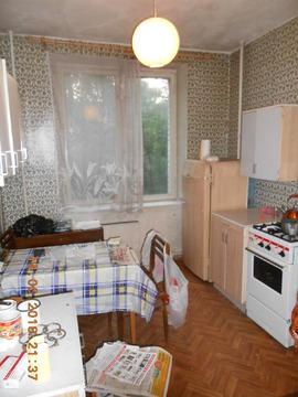 Однушку на Марии Ульяновой в кирпичном сталинском доме