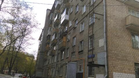 Продаю 2-х комн. квартиру у м. Белорусская.