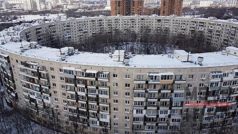 Продажа трёхкомнатной квартиры 72м2 в Круглом доме на Нежинской