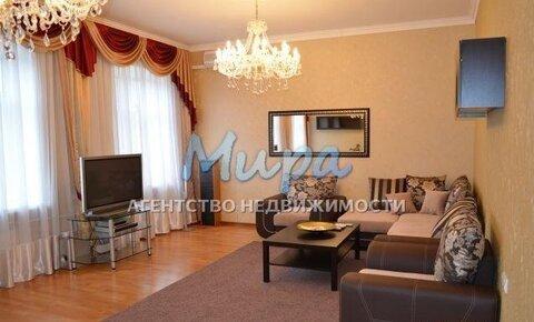 Артем! Сдается квартира на длительный срок в сталинском доме. Высок
