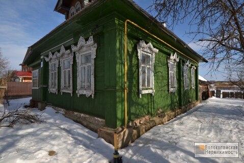 Продается жилой бревенчатый дом в центре села Раменье!
