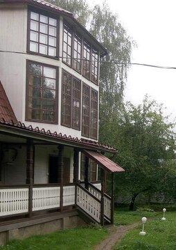Продается 2-х этажный дом с мансардой в поселке Клязьма, улица Гоголев