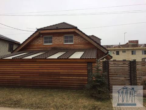 Добротный дом по Калужскому шоссе.