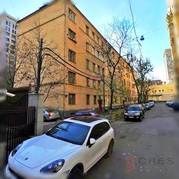Продается комната в шаговой доступности метро Смоленская