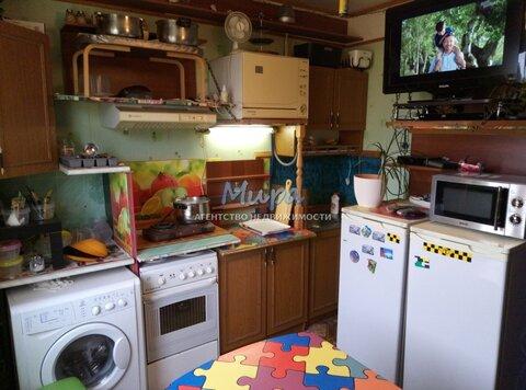 Александр. Комната в трехкомнатной квартире с мебелью и бытовой техни