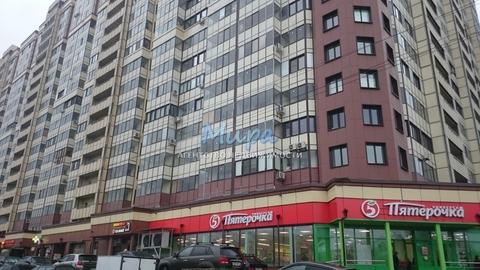 Свободная продажа!Продается просторная трехкомнатная квартира в Жилом