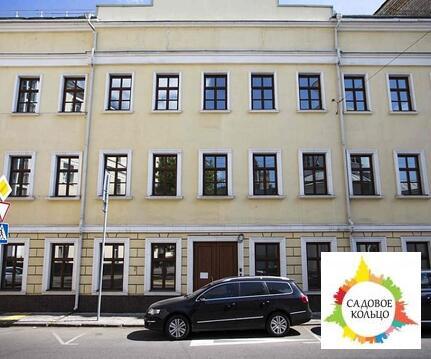 В здании 3 этажа + мансарда. Год постройки: 1834 г. Год реконструкции: