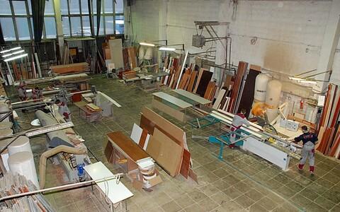 Производственно- складные помещения на Батюнинском пр-де