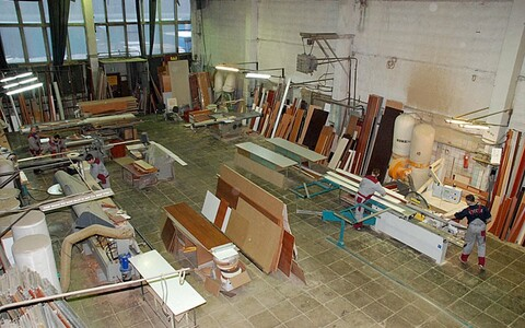 Производственно- складкское помещение на Батюнинском пр-де