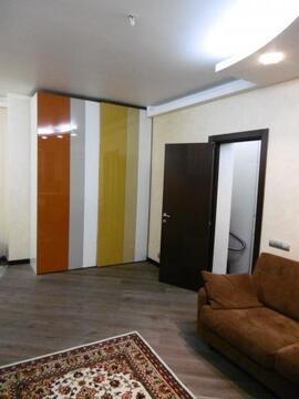 Продаётся 3-комнатная квартира в центре Москвы.