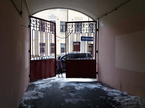 Продаётся 2-комнатная квартира по адресу Садовая-Черногрязская .