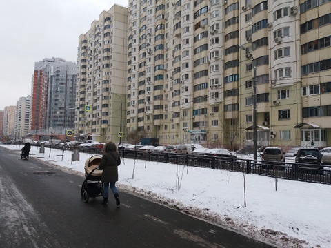 Продается 2-я квартира в Павшинской пойме.