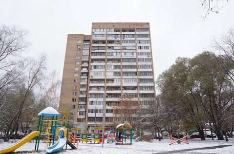 Продаем двухкомнатную квартиру в шаговой доступности от метро