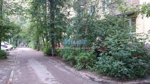Продается двухкомнатная квартира в очень зеленом, живописном районе