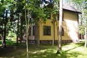 Коттедж во Фрунзовце на шикарном лесном участке., 58000000 руб.