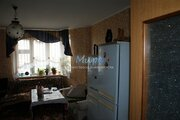 Дмитрий. Сдаётся большая комната 25 метра в большой 140 м.кв, трехк, 15000 руб.