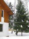 Жилой загородный дом, лес, центральные коммуникации, охрана, 13000000 руб.