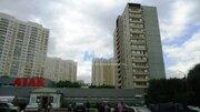 Светлая квартира В зелёном районе.высокий первый этаж Застеклённая л