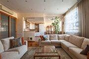 Продаю великолепную четырехкомнатную квартиру на Мичуринском .