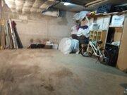 Продаю в гаражном боксе ком 27 кв.м, ул. Дворникова д.7, на 3-ем этаже, 1650000 руб.