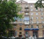 Сталинский дом. 1959 года постройки. Продается 2-х комнатная квартира