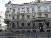 Предлагается отдельностоящее здание 1818,3 м2, здание покупалось у гор, 700000000 руб.