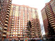 Продает трехкомнатную квартиру в ЖК Дом на Садовой
