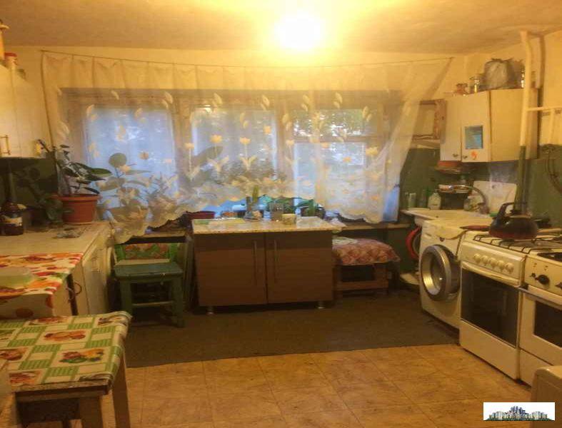 Комната 12 метров в коммунальной квартире в мкр. северный., .