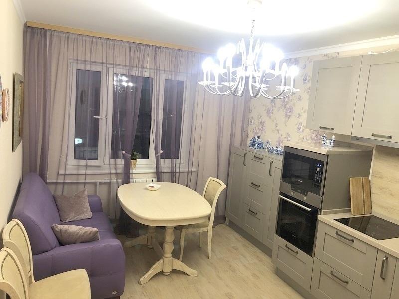 Продается трехкомнатная квартира за 10 000 000 рублей. Московская обл, г Раменское, ул Дергаевская, д 28.