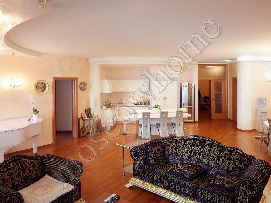 Appartamento di quattro stanze a Cefalù