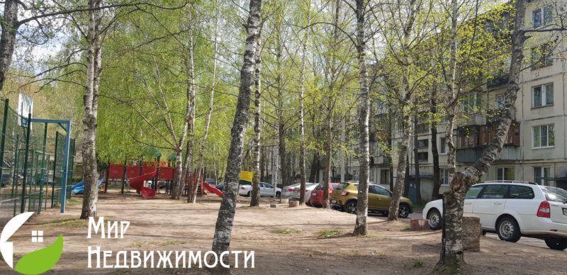 Продается двухкомнатная квартира за 3 500 000 рублей. Московская обл, г Дмитров, ул Большевистская, д 23.
