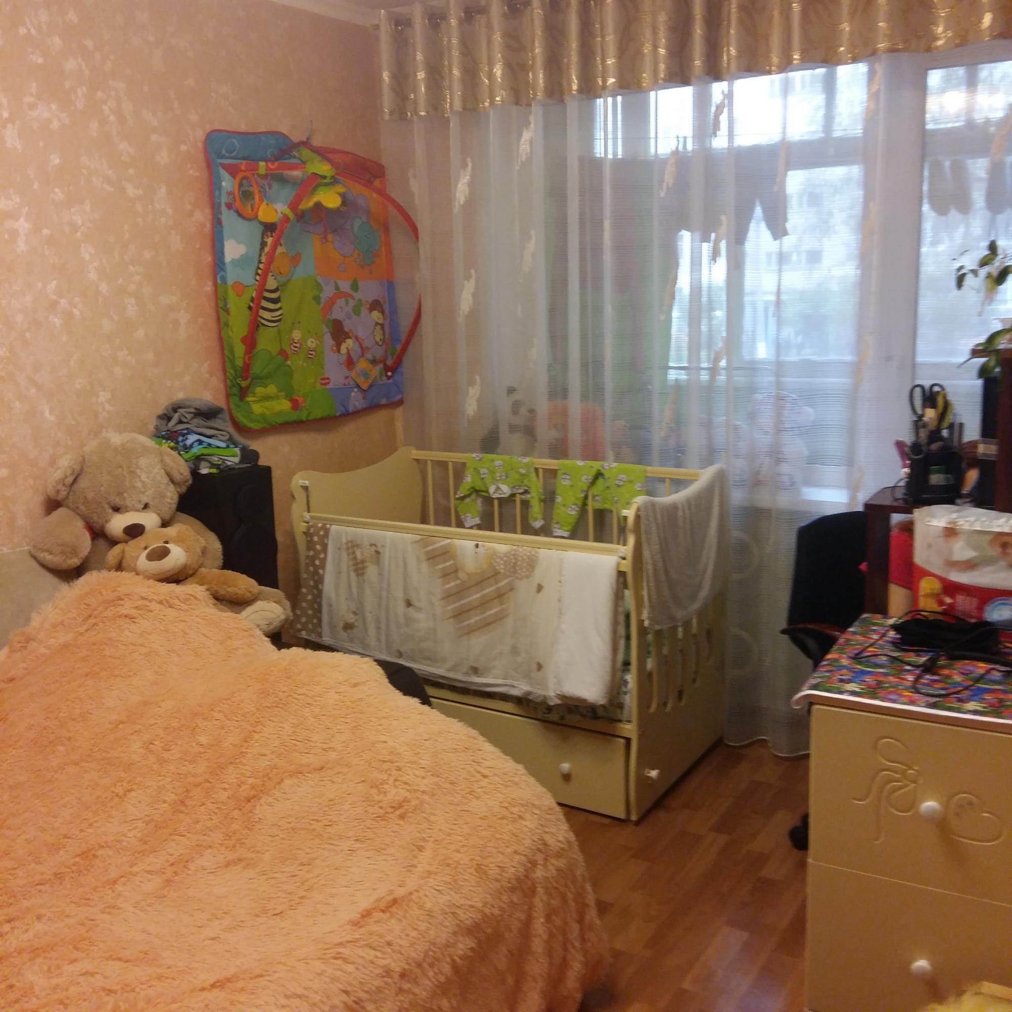 обмен квартиры на квартиру климовске девушкам остается