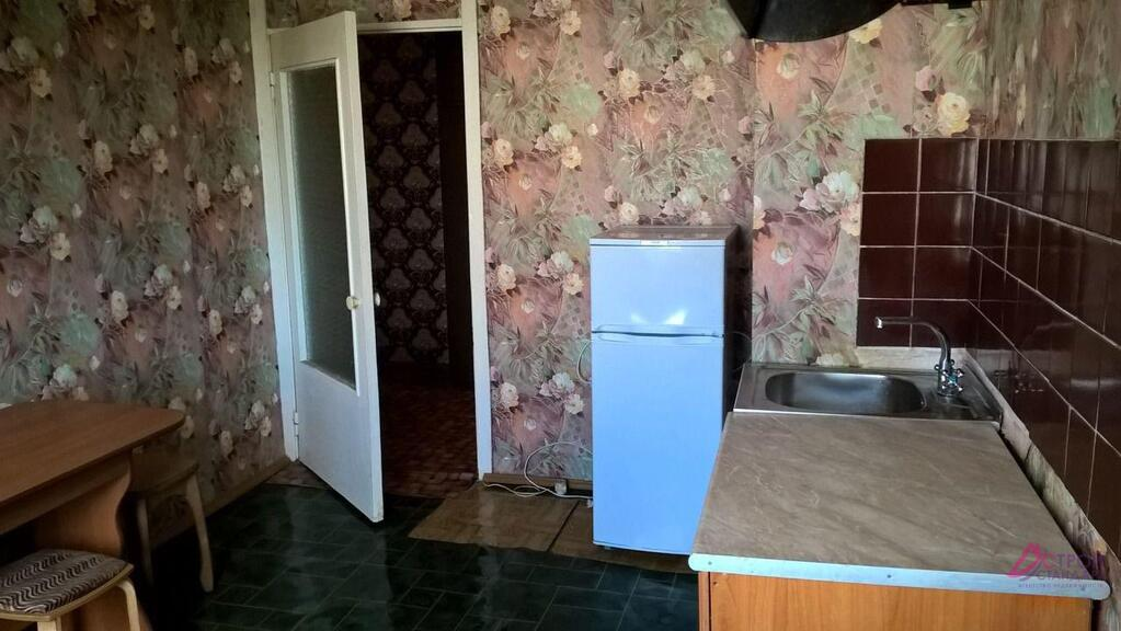 Продам трехкомнатную (3-комн.) квартиру, подмосковная ул, 30.