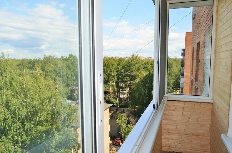 Окна для балкона в хрущевке 3010х1427 краусс купить в москве.