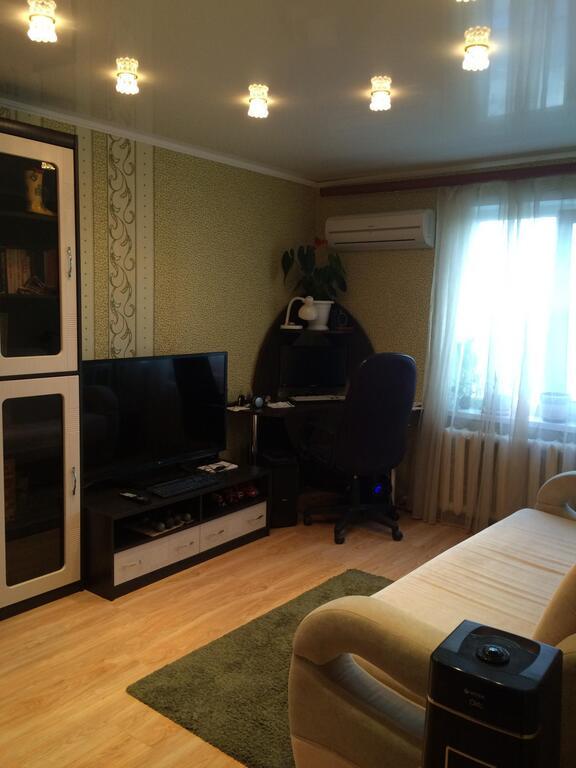 Продается двухкомнатная квартира за 3 600 000 рублей. Правдинский, ул. Полевая, 9.