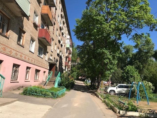 Продается двухкомнатная квартира за 2 600 000 рублей. Московская обл, г Дмитров, ул Инженерная, д 21.
