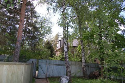 Лучшее руасположение участка в Жуковке с домом под снос.
