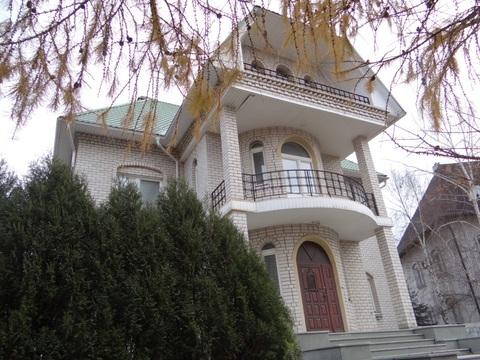 Дом с земельным участком в г. Долгопрудный