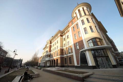 Продается 5 комнатная, евро ремонт, 4 спальни, изолированная кухня с .