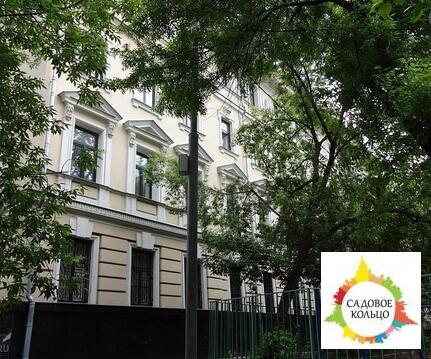 Предлагается на продажу комплекс зданий площадью 5884 кв.м, состоящий