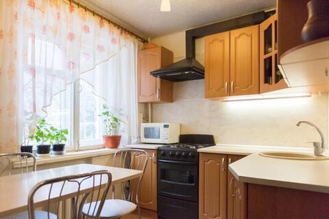 Продается: 2к-квартира, 2/4 кирпичного дома в п. Молодежный