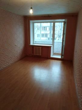 Продается 2-х комн. кв-ра, 3/5 эт. кирпич. дома по адресу: Малаховка