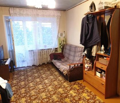 Продается светлая, 2-ух комнатная квартира