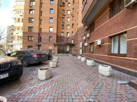Многокомнатная квартира, 306 м
